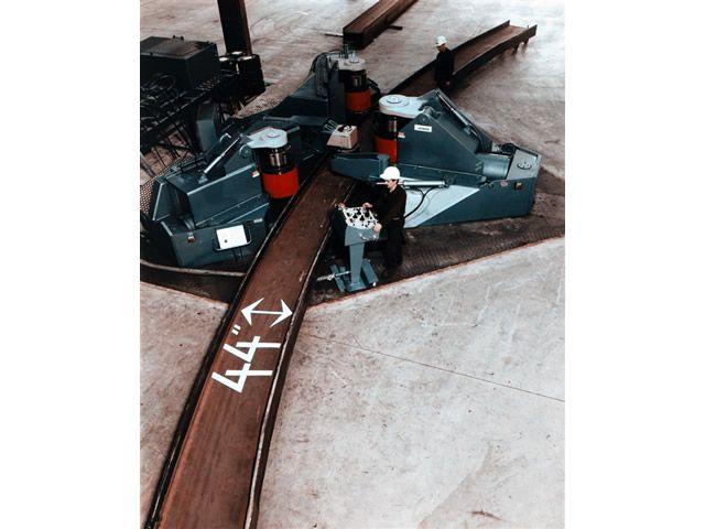 大型H型材弯曲机